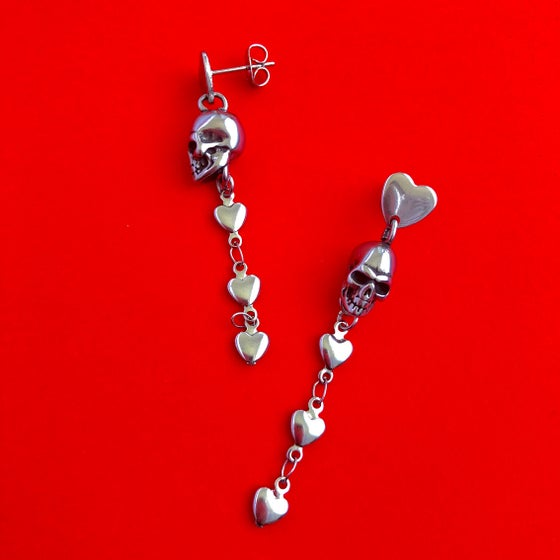 Image of SKULL & HEART DROP EARRINGS ( SHORT )
