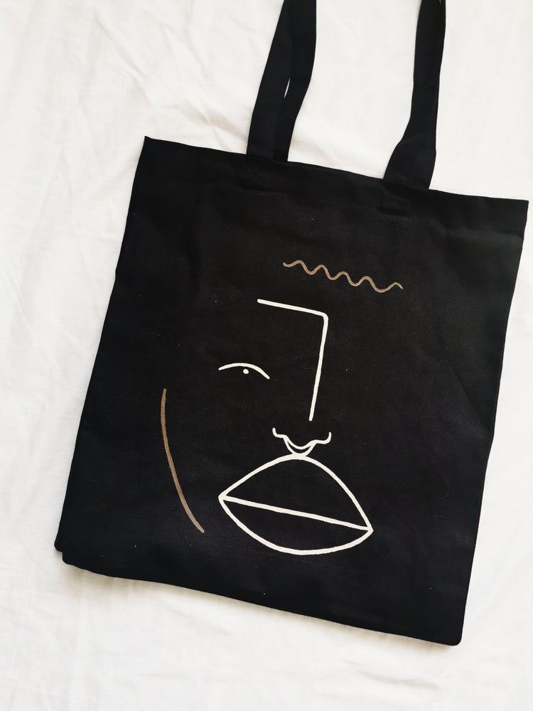 Image of septum tote