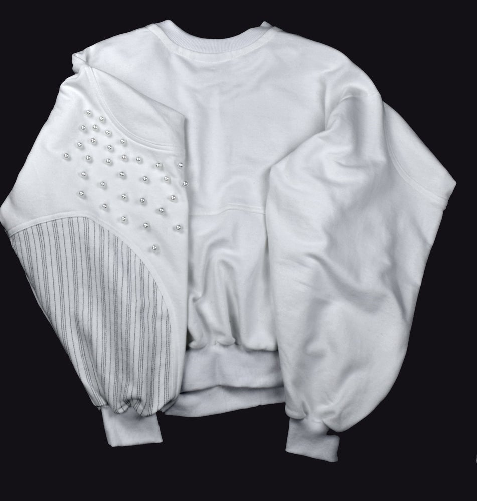 Image of SS21 - SWEATSHIRT WITH PEARLS