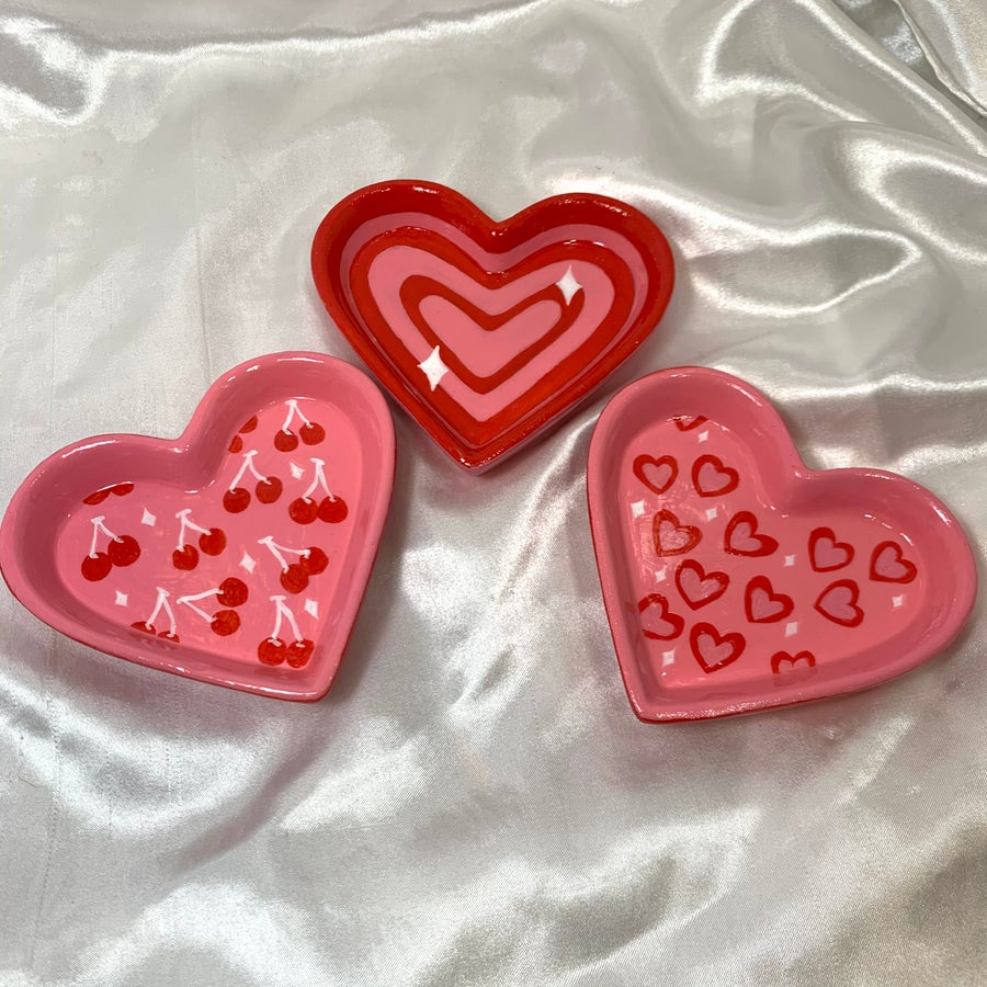 Image of heart jewelry dishes