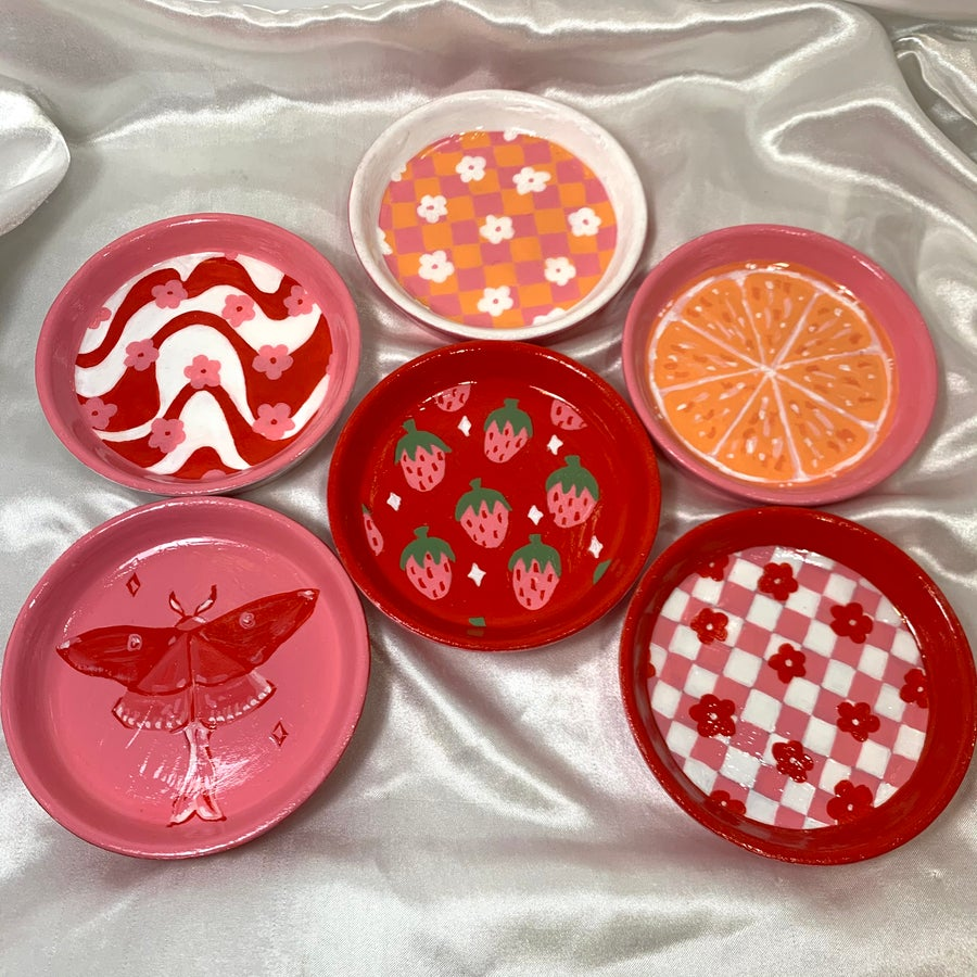 Image of circle jewelry dishes
