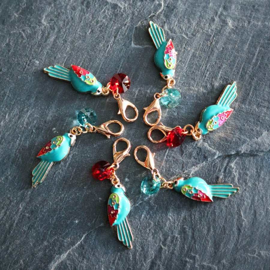 Image of TEAL MACAW PARROT & CRYSTAL PROGRESS-KEEPER