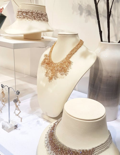Image of SNOW-TIPPED PETALS NECKLACE