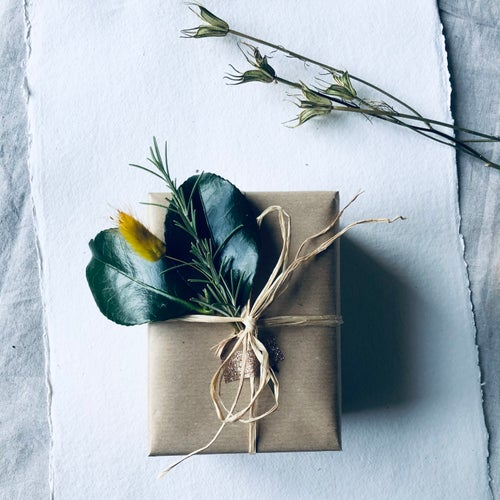 Image of Little Box of Calm - White Lavender Candle & Natural Posy