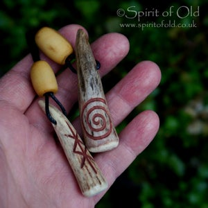 Image of Antler and red ochre pendants (PE1396)