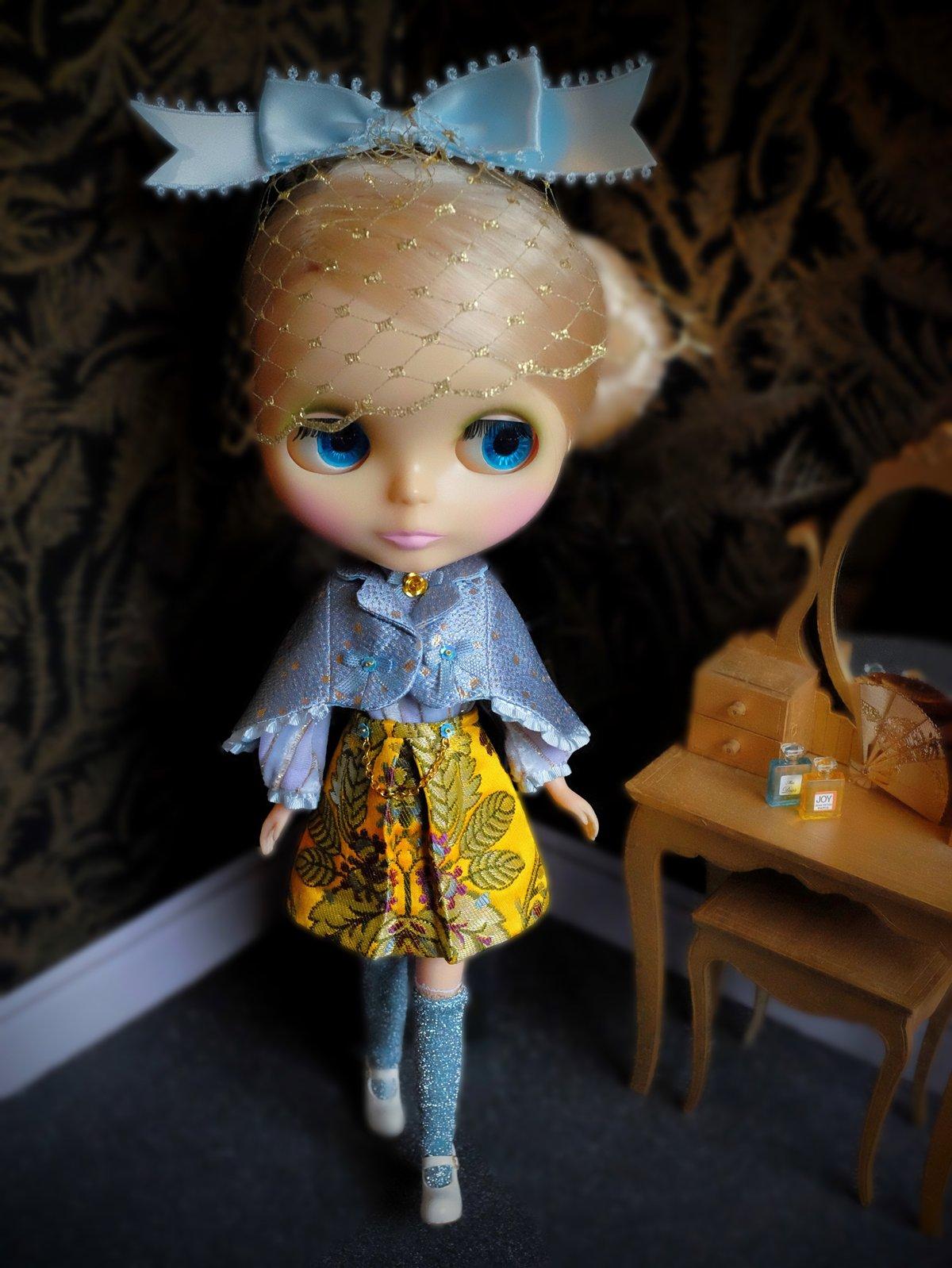 Image of Lounging Linda ~ Preppy Princess Set - with Blythe Fascinator (Blue & Yellow)