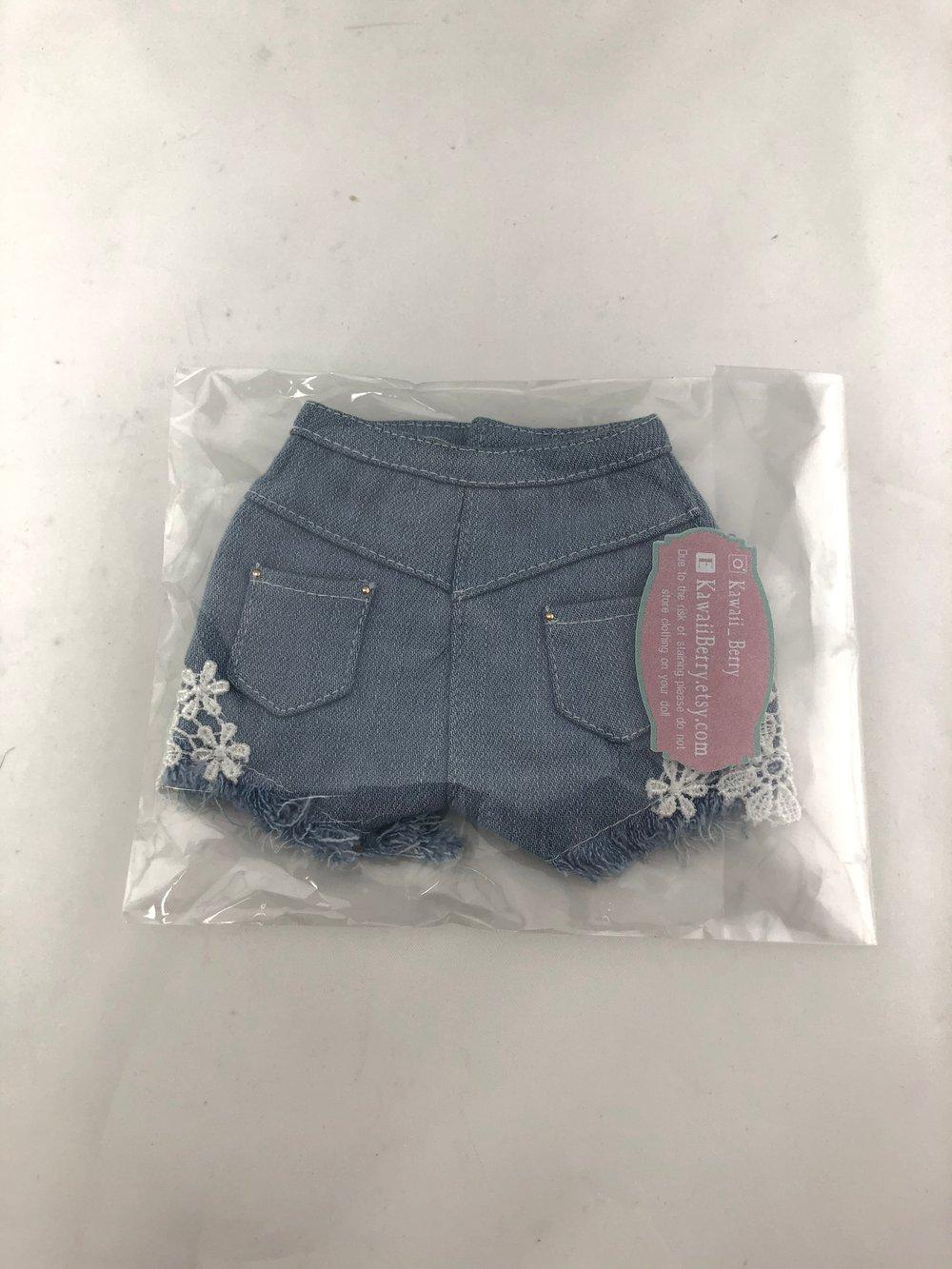 Jean Lace Shorts: Feeple60