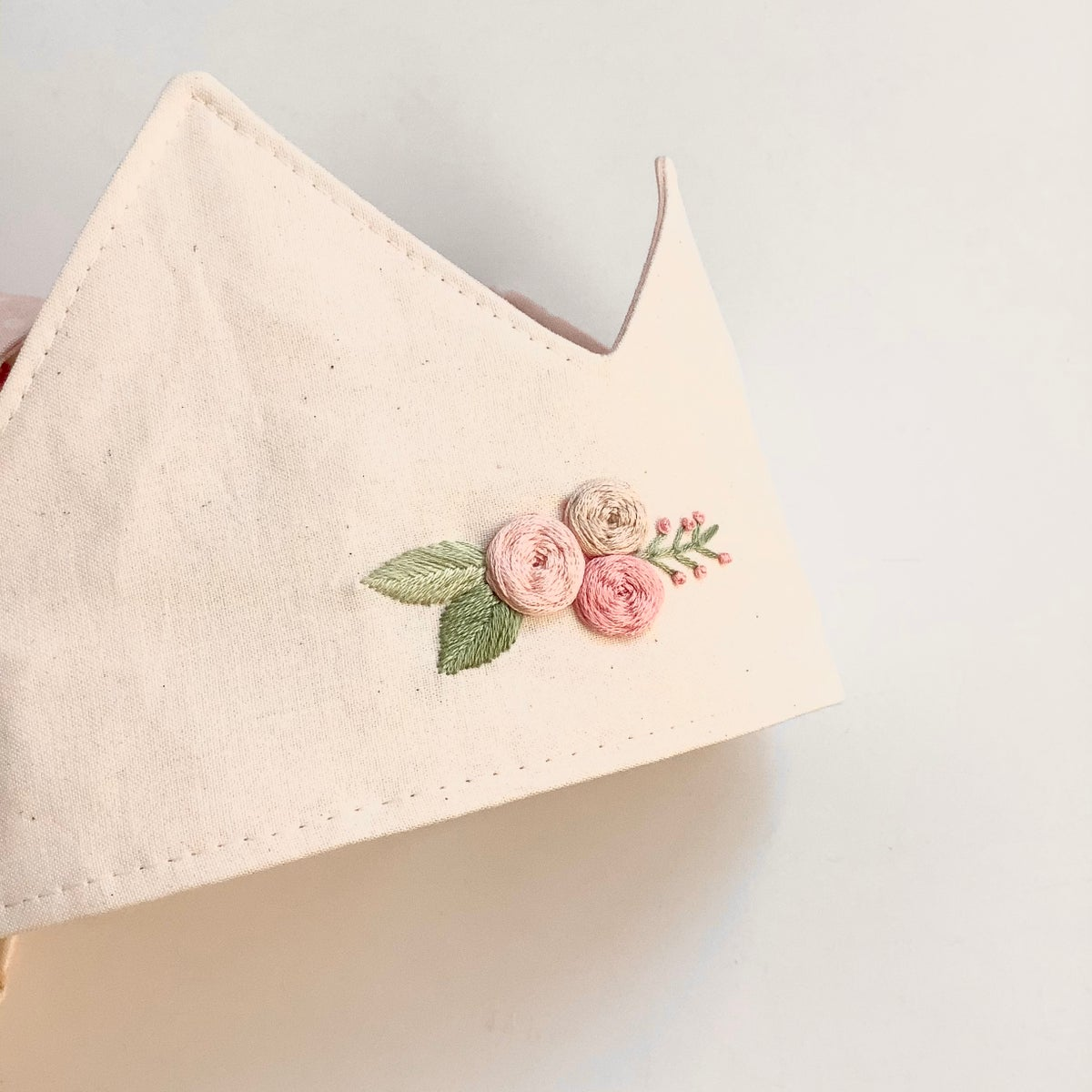 Amy embroidery crown