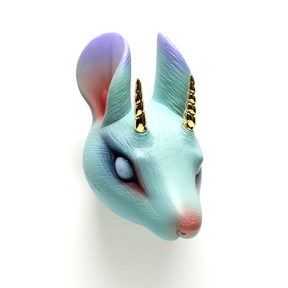 Image of Chikkoi Nezumi (teal/open eyes/gold horns)
