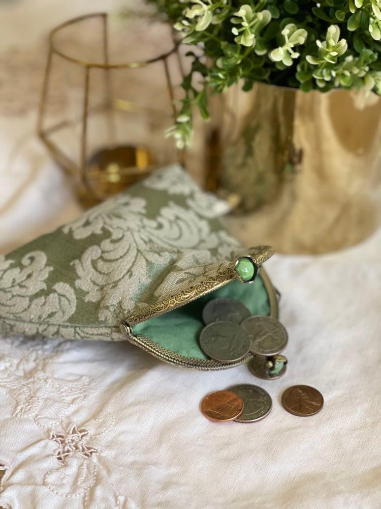 Image of Piccola pochette o porta monete damascato verde