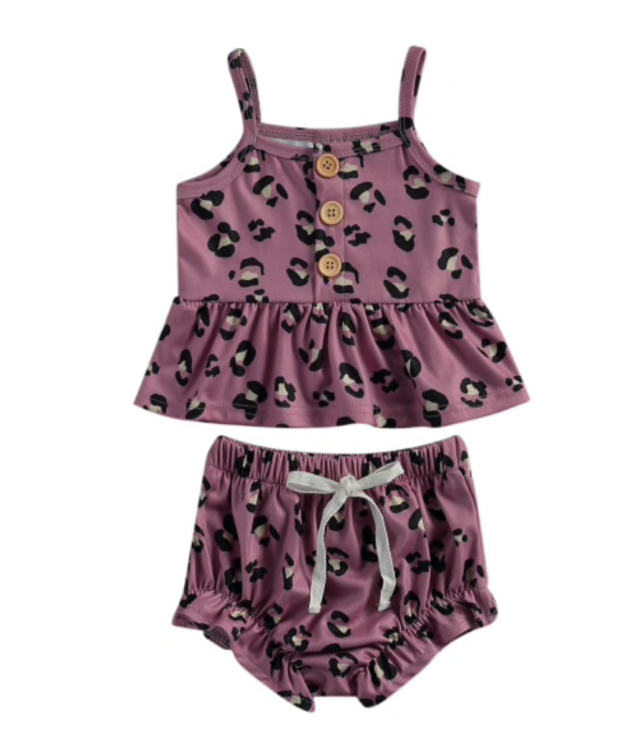 Isabel Leopard Outfit