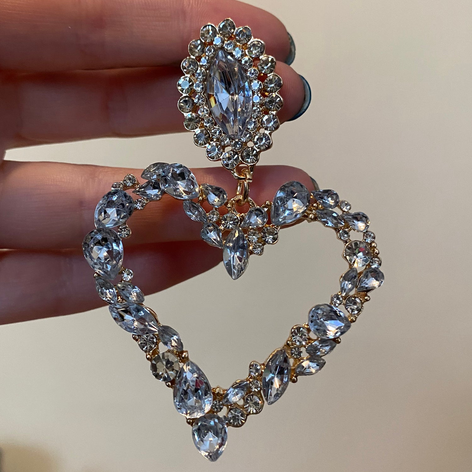 Image of Clear Gem Heart Dangles (sizes 00g-3/4)