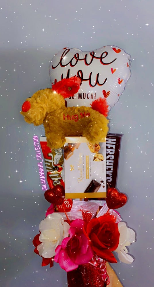 Image of SweetHeart Snack Bouquet