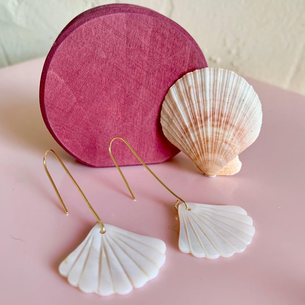 Image of Shell Fan Drop Earrings