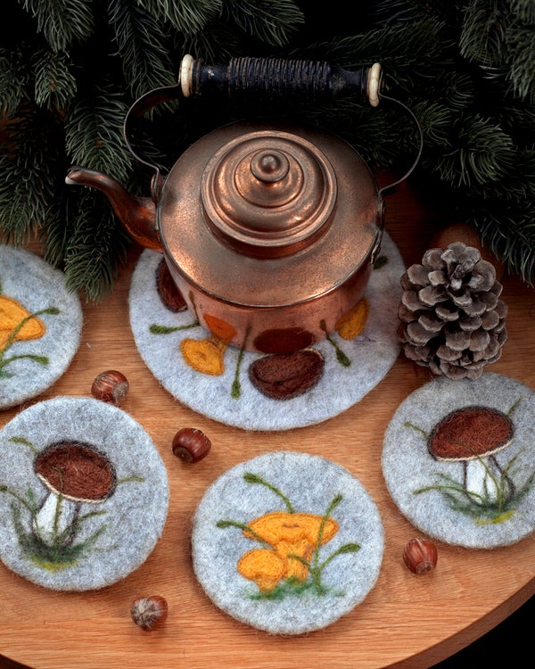 Image of COASTER & TRIVET SET - Wild mushrooms