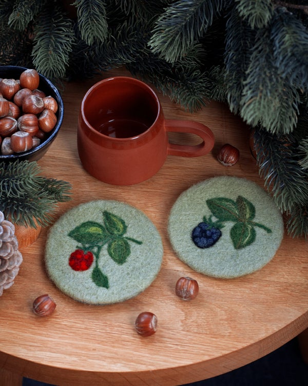 Image of GREEN WOOL COASTER SET - Raspberry & Blackberry