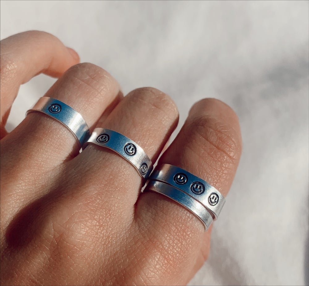 Image of Smiley Face Ring
