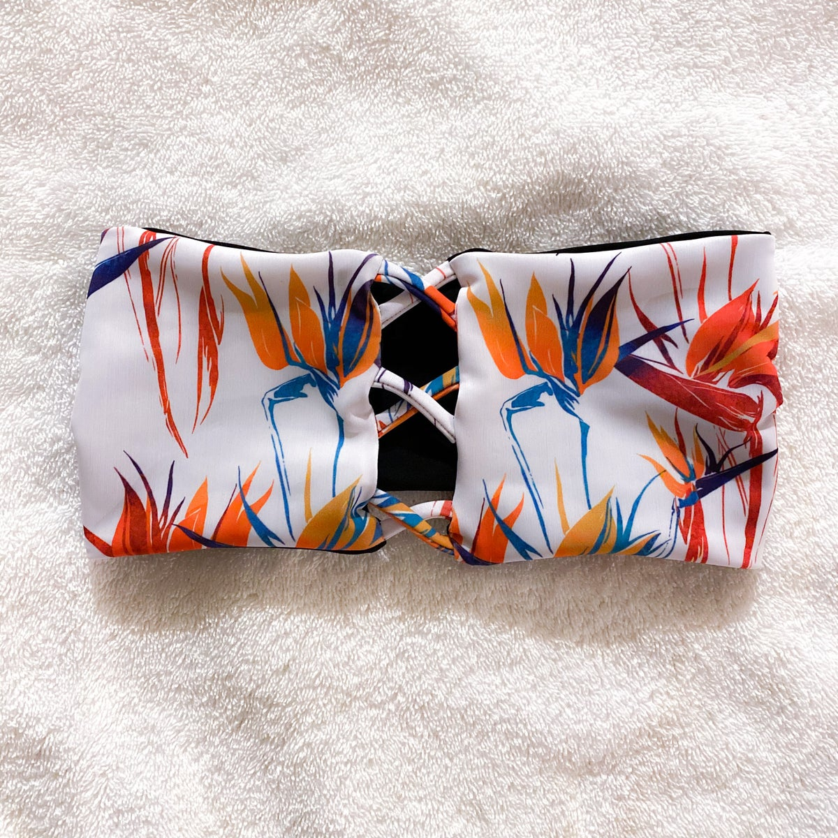 Image of CROSS BANDEAU TOP : BIRD OF PARADISE X BLACK