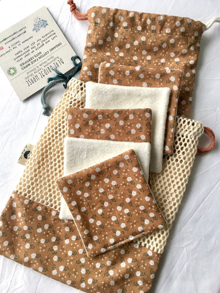 Image of Organic Cotton Reusable Face Wipes & Bags Set