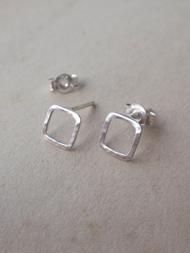 Image of Minimal Square Stud Earrings