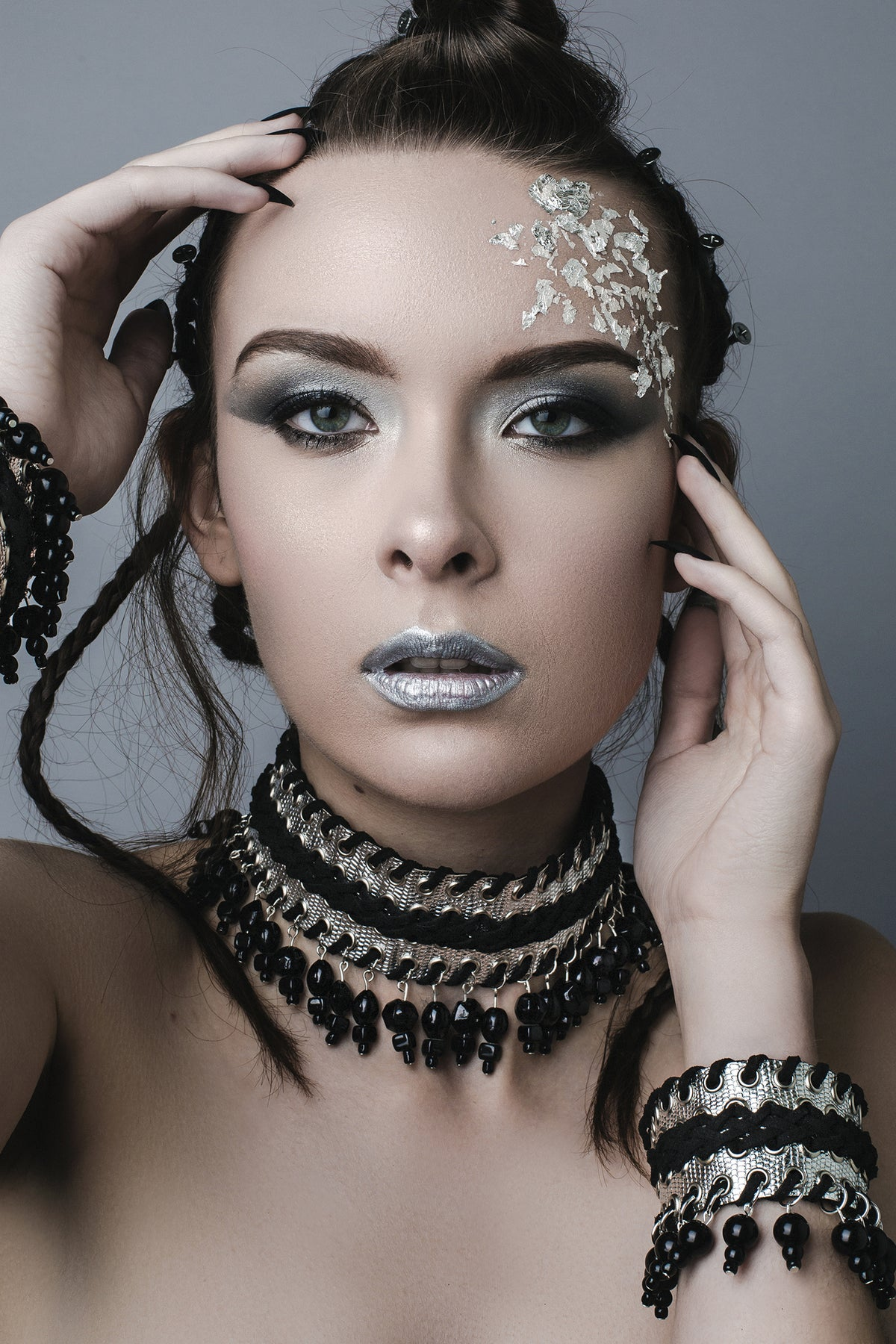 Image of Silver collar with black beads