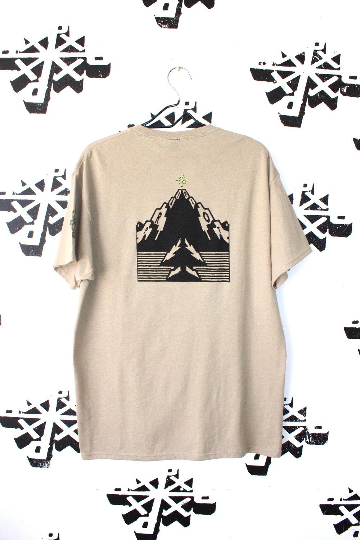 ain't no mountain tee in tan