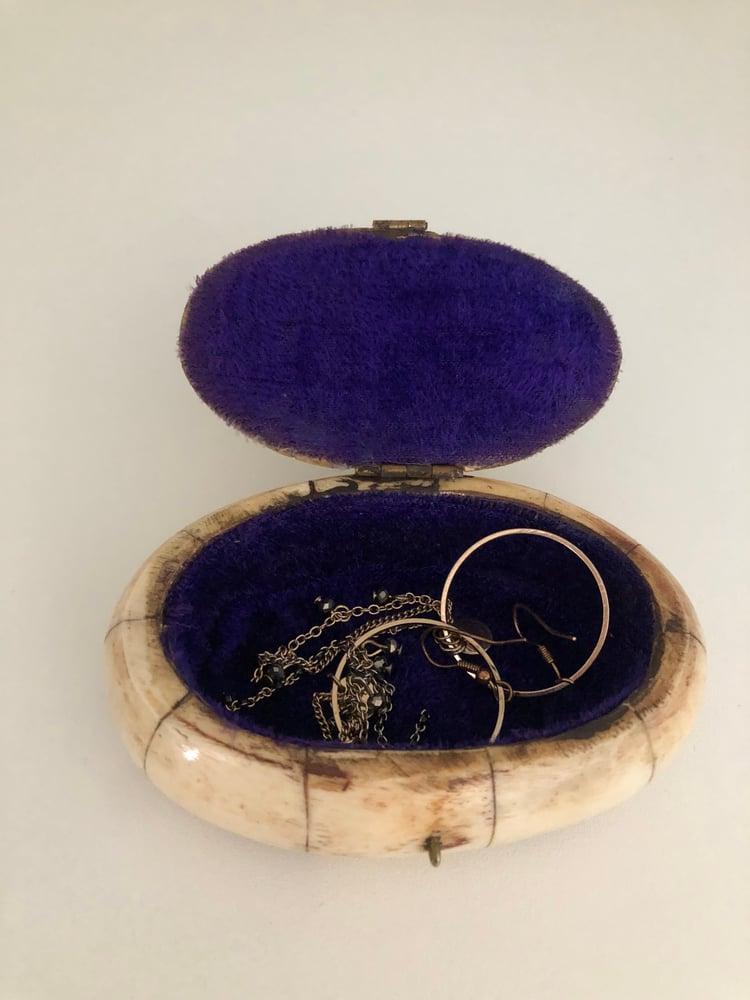 Image of Boîte bijoux os et laiton