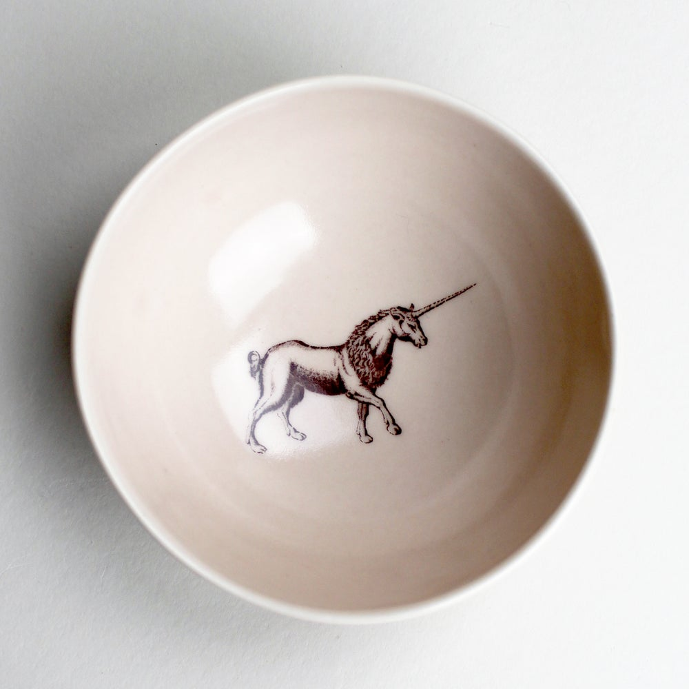 Image of roly poly bowl with unicorn, rose