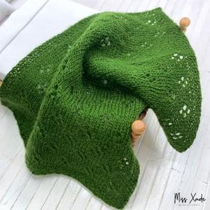 Knitted Eyelet Weave Blanket for Dollhouse - Green