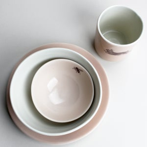 Image of happy lunch set: plate, bowl, in rose