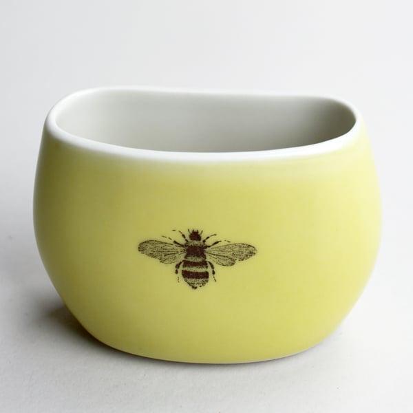 Image of pebble vase, mustard, bumblebee