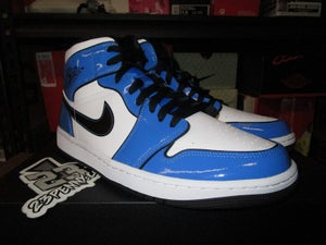"Image of Air Jordan I (1) Retro Mid SE ""Signal Blue"""