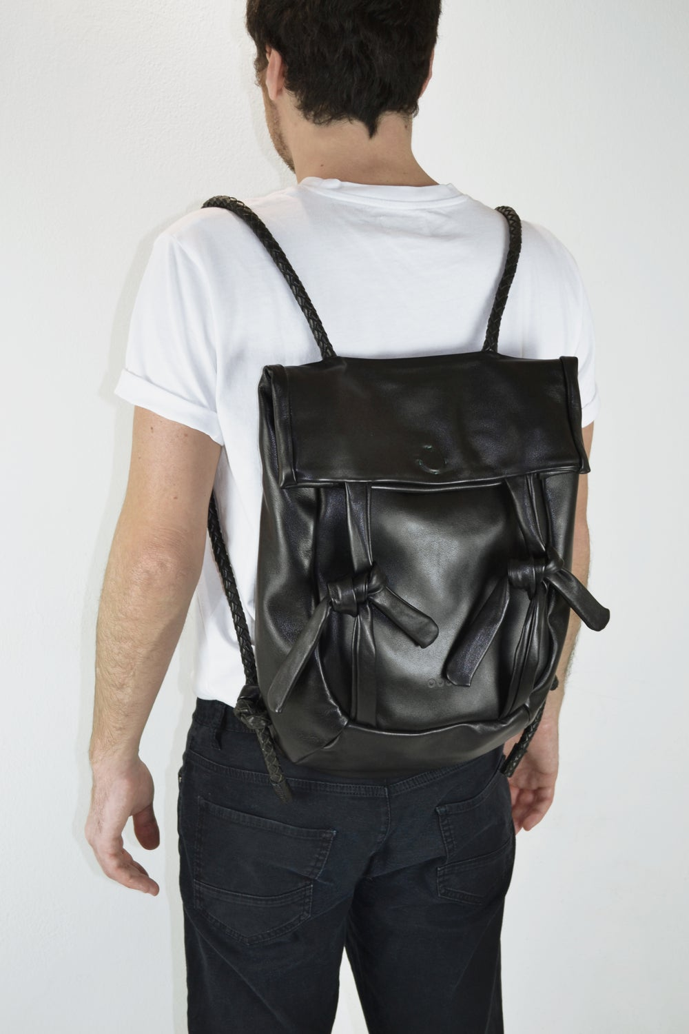 Super light Moji backpack with woven leather straps - Black