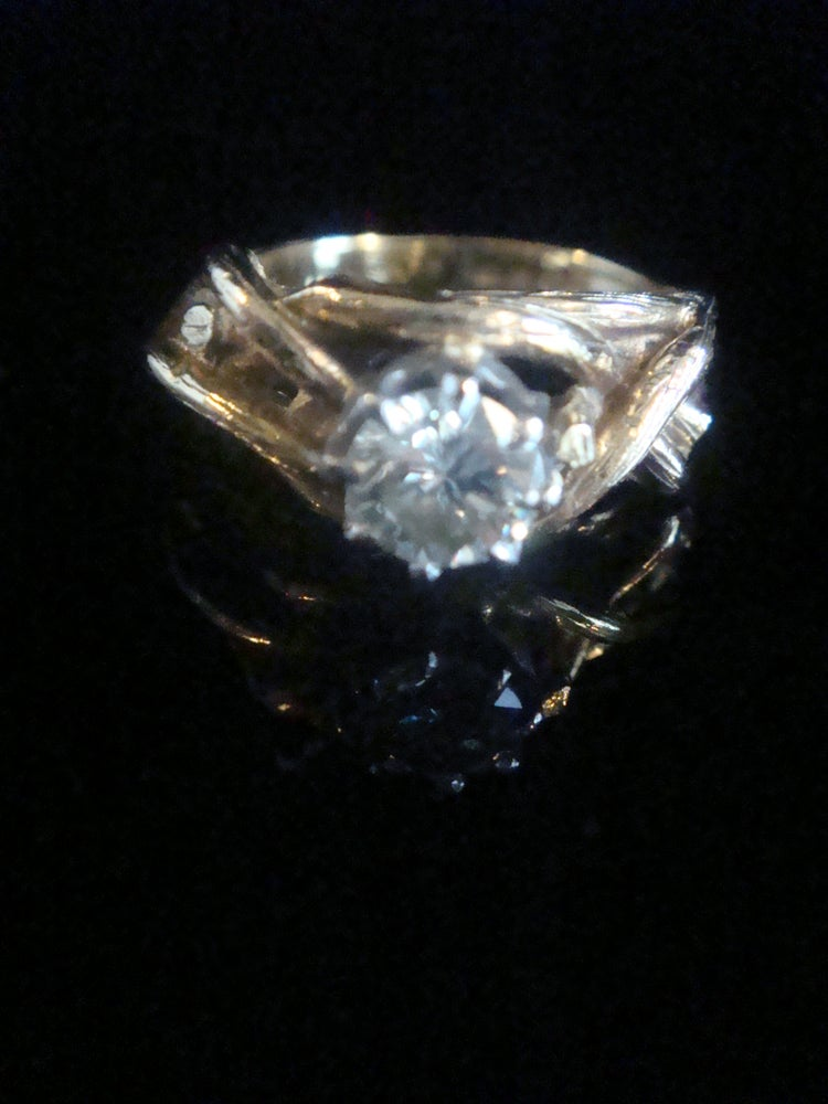 Image of Vintage Retro 18ct yellow gold diamond solitaire 0.60ct with bamboo shank design