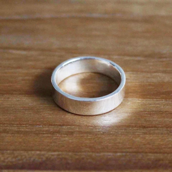Image of Classic wide band silver ring