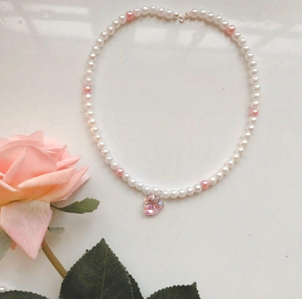 Image of Pearl bead heart choker