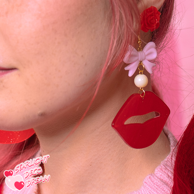 Image of Sugar Kisses Glitter Lips Earrings / Hot Pink with Purple Bows