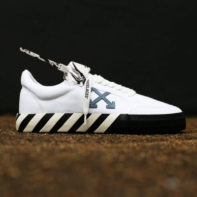 "Image of <FONT color=""RED"">NEW</FONT> OFF-WHITE C/O VIRGIL ABLOH - Vulc White Blue Sneakers"