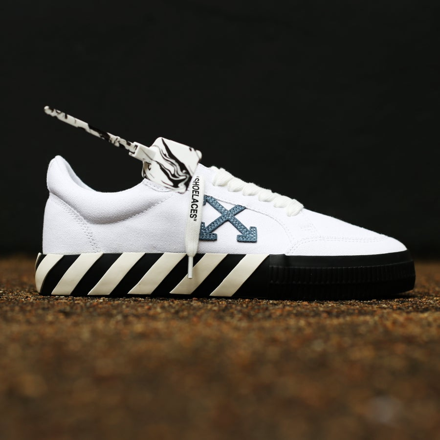 """Image of <FONT color=""""RED"""">NEW</FONT> OFF-WHITE C/O VIRGIL ABLOH - Vulc White Blue Sneakers"""