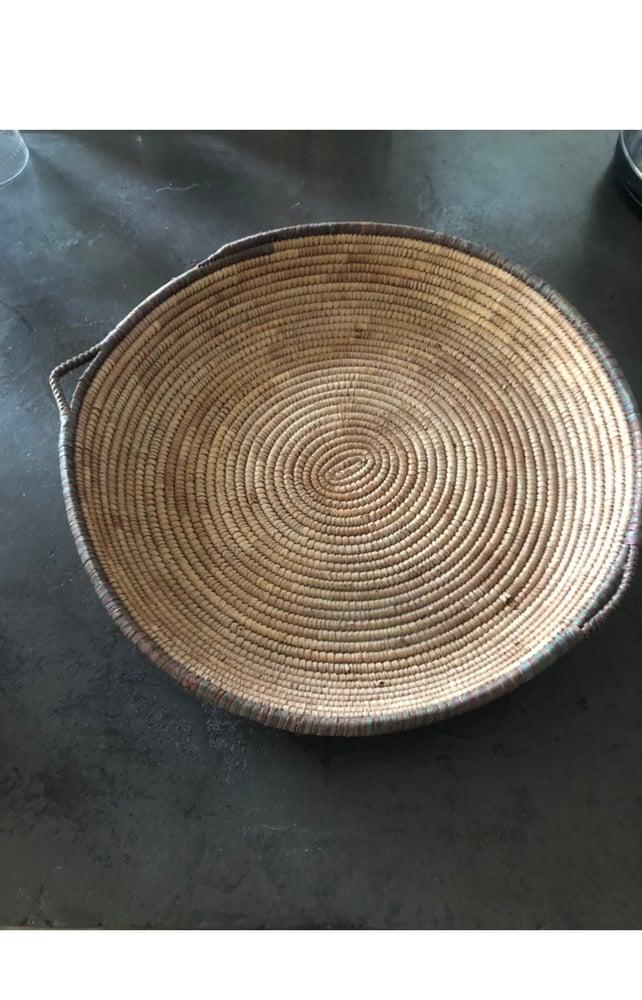 Image of Plat rond en fibre nature