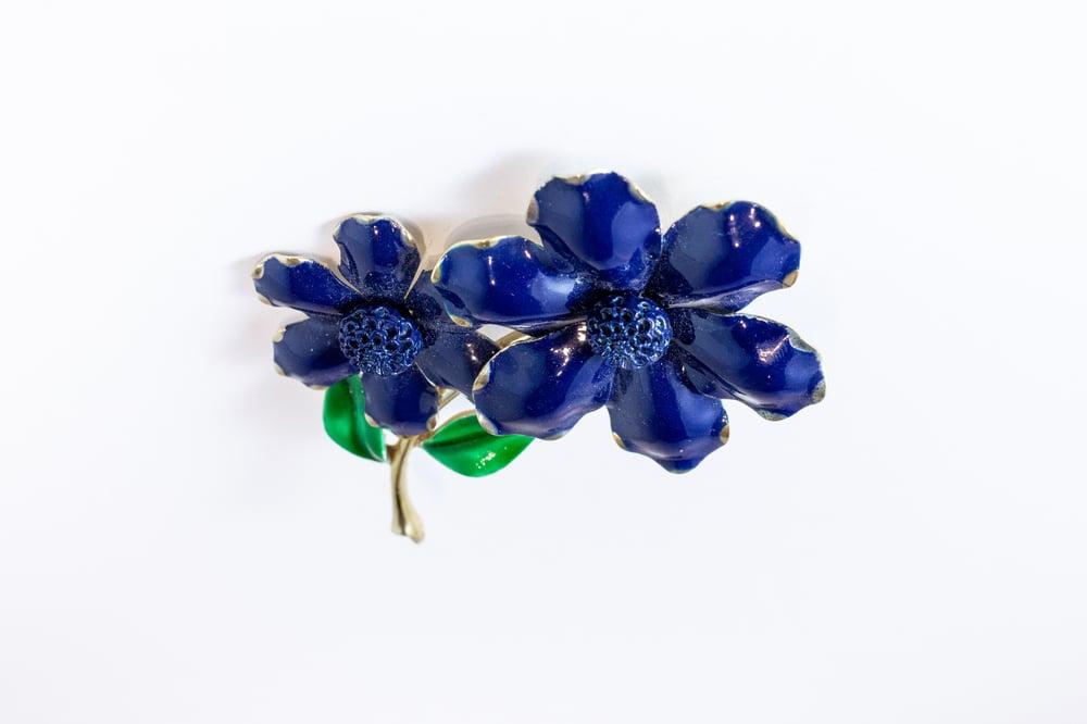 Image of Vintage Enamel Flower Pin