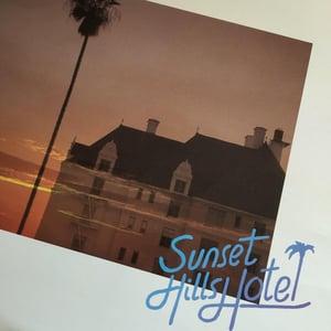 Image of Sunset Hills Hotel - Interface