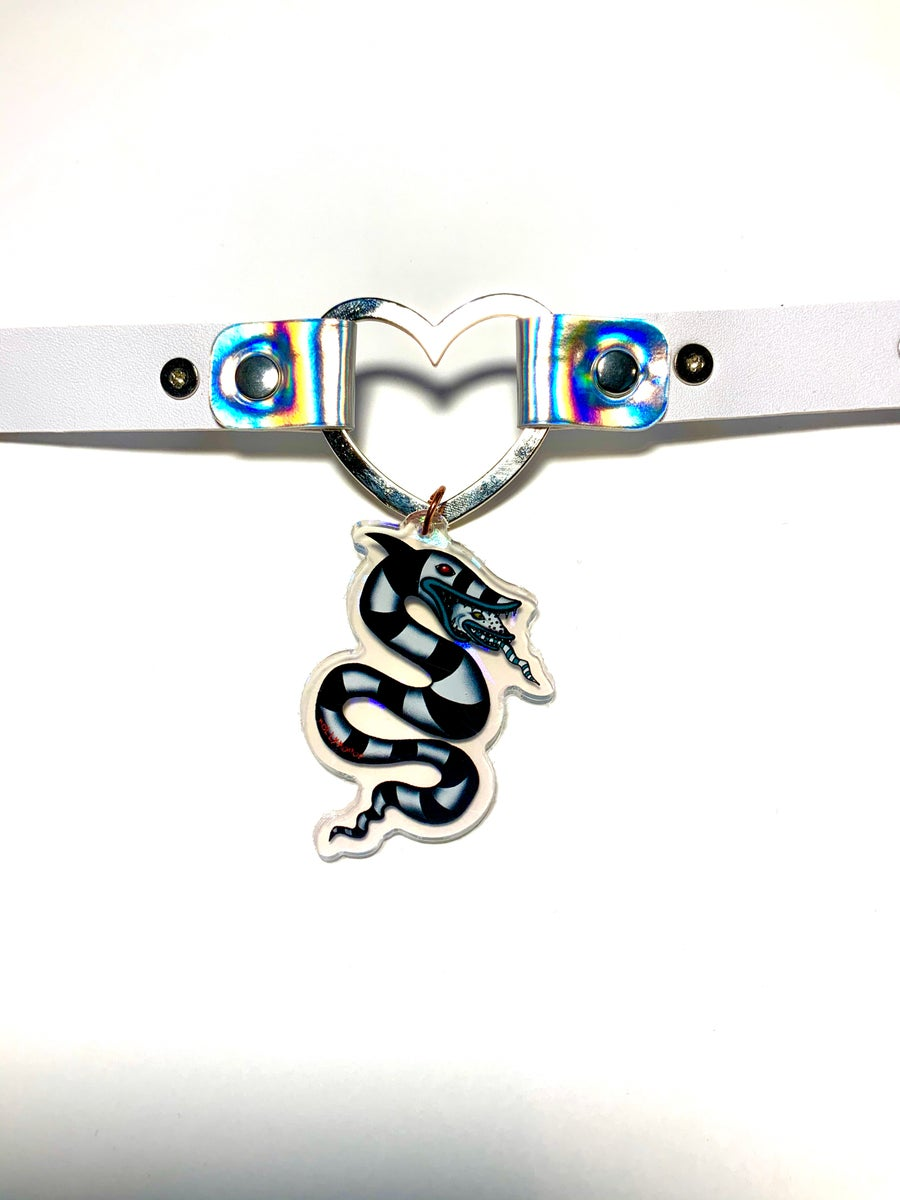 Image of Sandworm Holographic Heart-Ring Choker