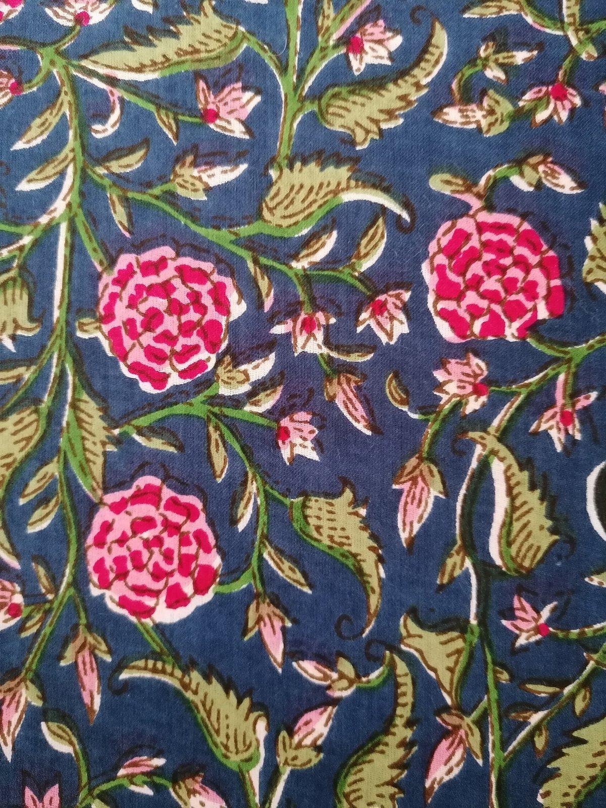 Image of Namasté fabric rosier fond bleu
