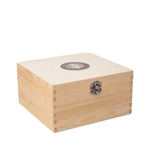 Image of Gift Set with 8 Beard Oils in a Wooden Box