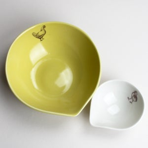 Image of nesting bowls set of two, baby chick and mama chicken