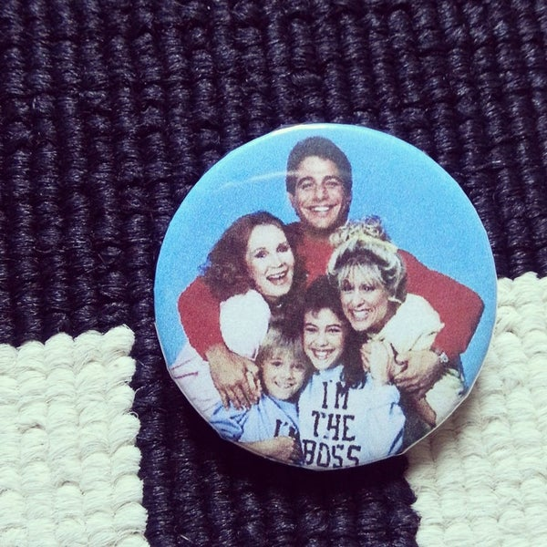 Image of badge madame est servie - who's the boss ?