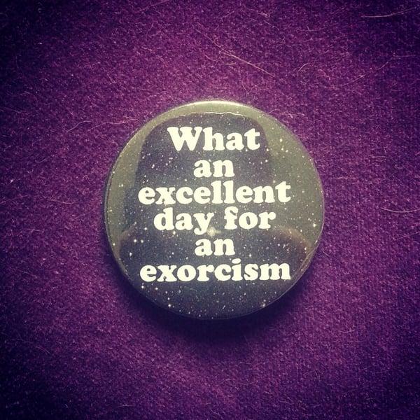 Image of badge l'exorciste - the exorcist