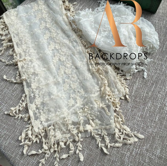 Image of Oksana vintage lace wrap with tessles