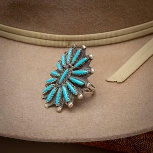 "Image of Vintage Zuni Petit Point Starburst Flower Ring signed by Zuni Silversmith ""CJ ""Size 7"